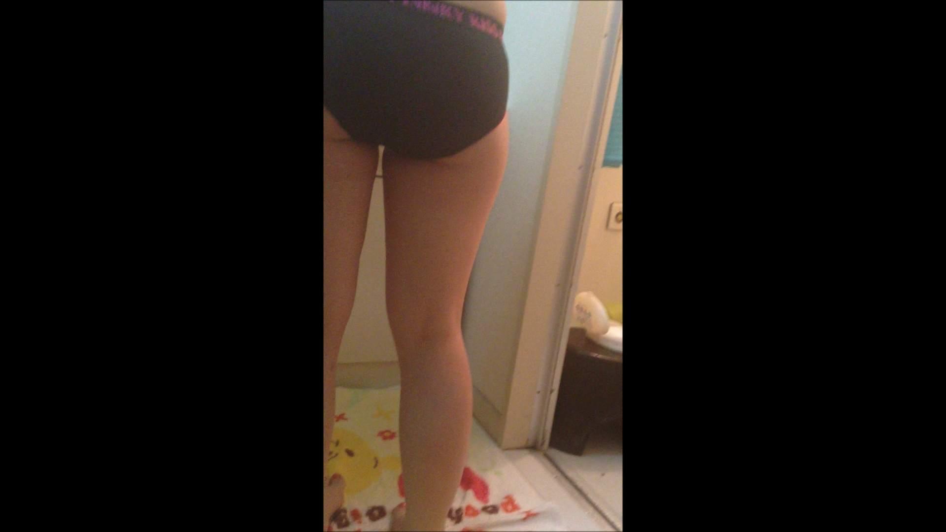 03(3日目)お風呂をイヤイヤ撮らせてくれた オマンコ全開  59PIX 40