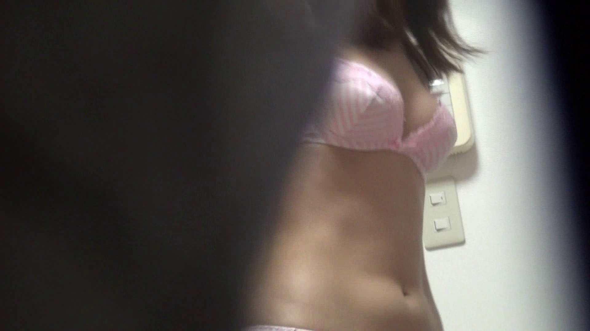 【05】仕事が忙しくて・・・久しぶりにベランダで待ち伏せ 盗撮  59PIX 36