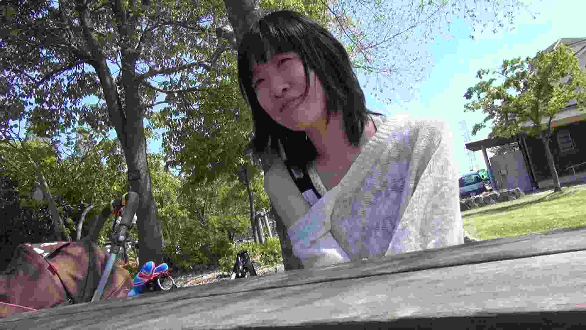 【母の時・01】インタビュー→とびっこ オマンコ全開 盗み撮り動画キャプチャ 64PIX 7