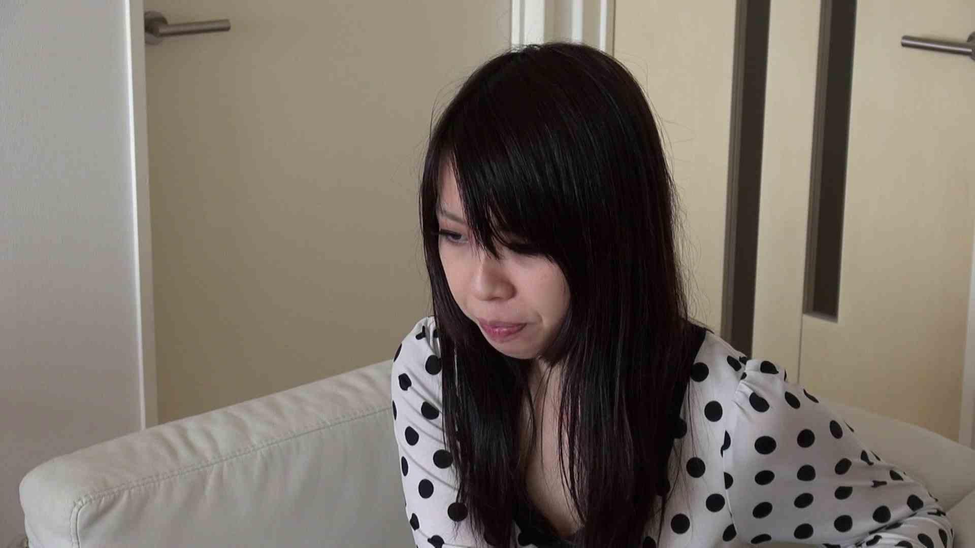 自宅で今回の出演までの経緯を語る志穂さん 覗き ワレメ無修正動画無料 80PIX 31