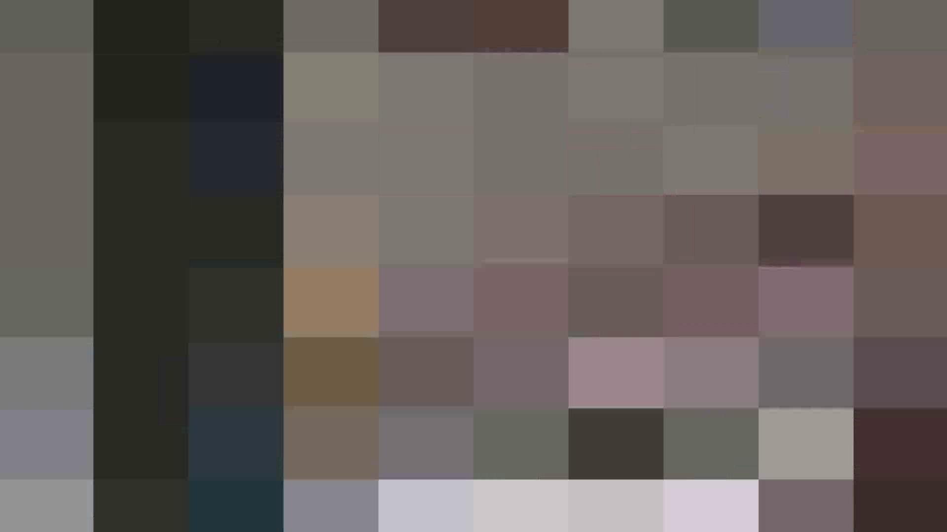 真剣に買い物中のgal達を上から下から狙います。vol.01 OLヌード天国  77PIX 20