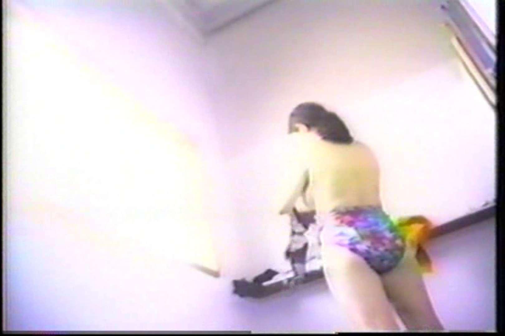 海の家の個室更衣室盗撮 全身全裸が丸見え TK-95 グループ乱行 AV無料動画キャプチャ 87PIX 49