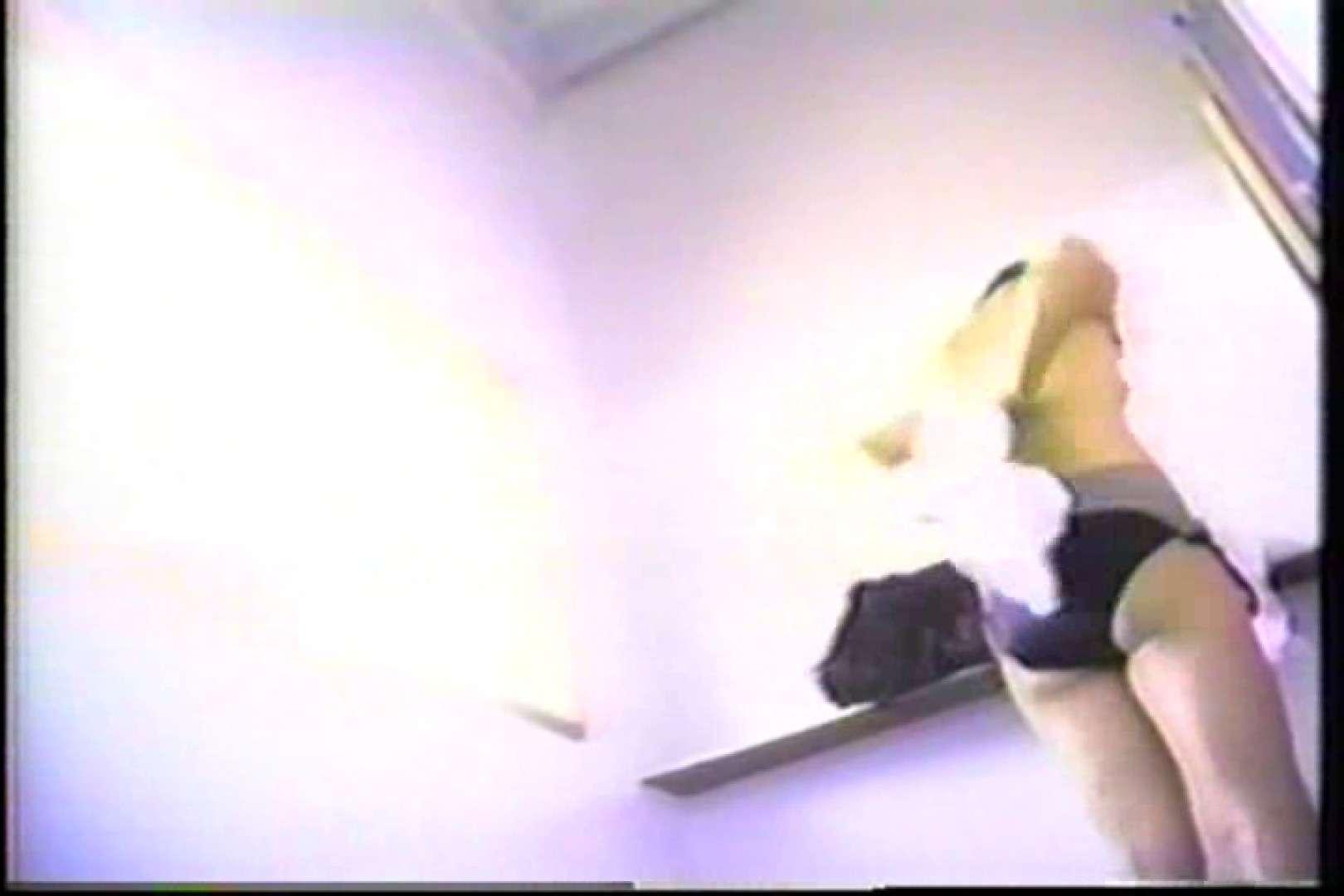 海の家の個室更衣室盗撮 全身全裸が丸見え TK-95 丸見えマンコ  87PIX 55