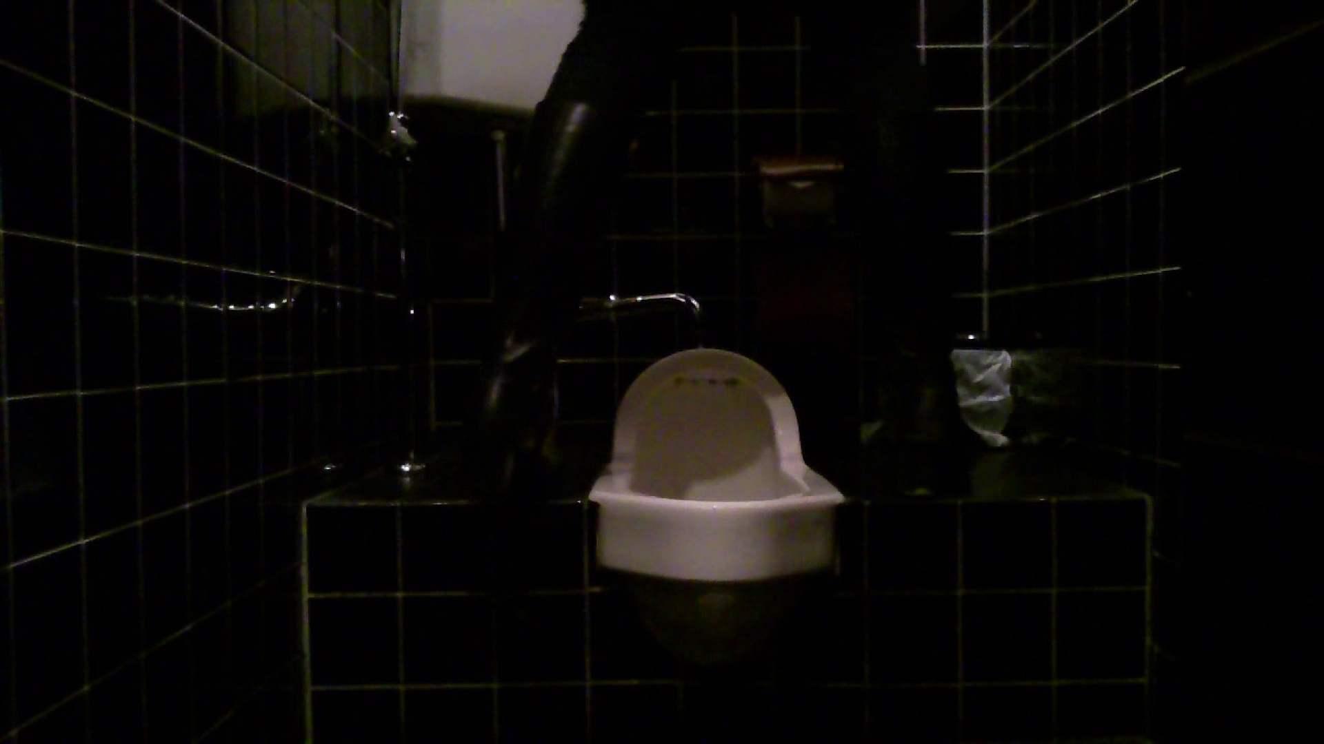 美女の集まる飲み屋洗面所 vol.05 OLヌード天国   洗面所  104PIX 64