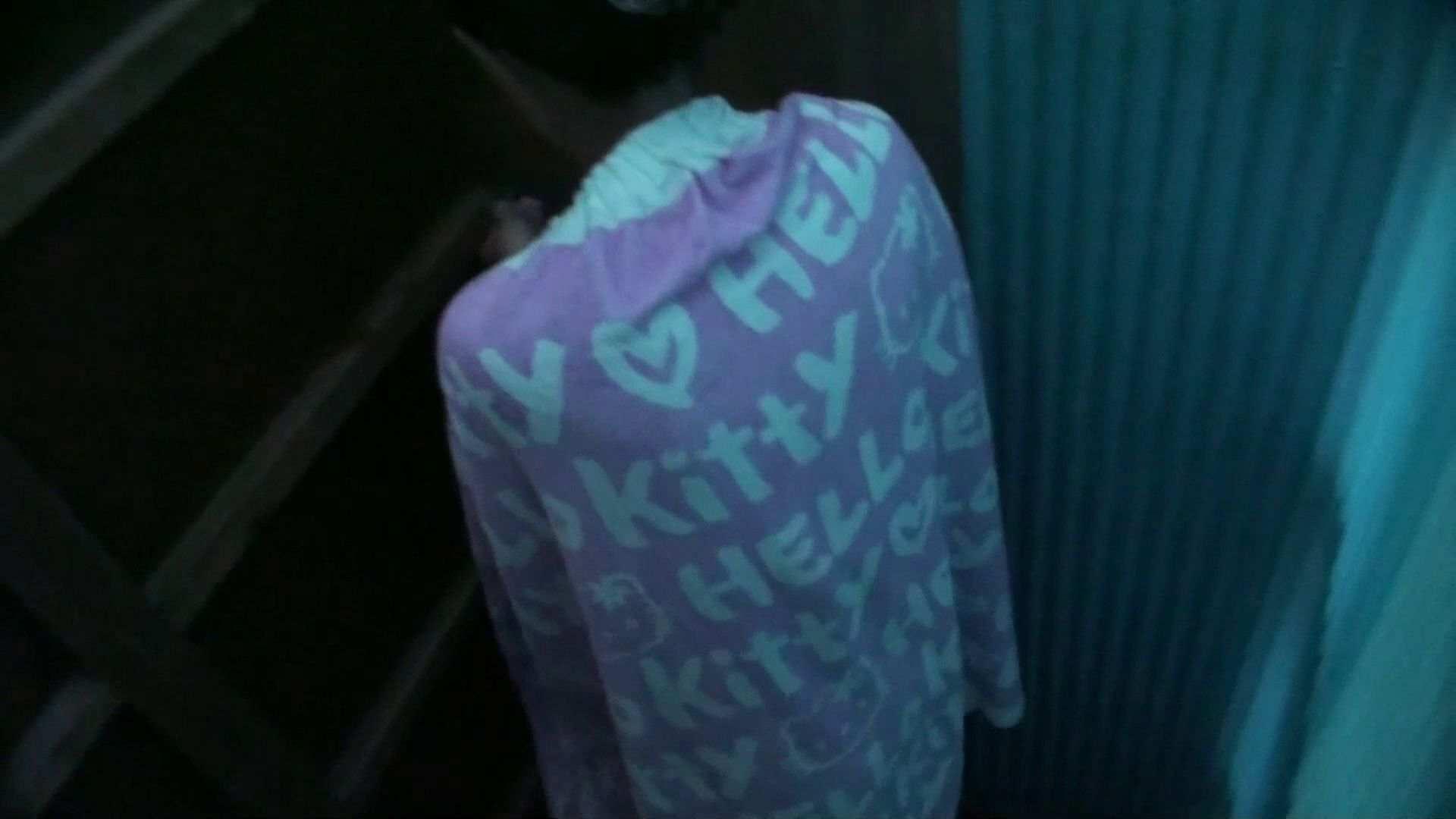 シャワールームは超!!危険な香りVol.26 大学生風美形ギャル 暗さが残念! OLヌード天国 セックス無修正動画無料 103PIX 2