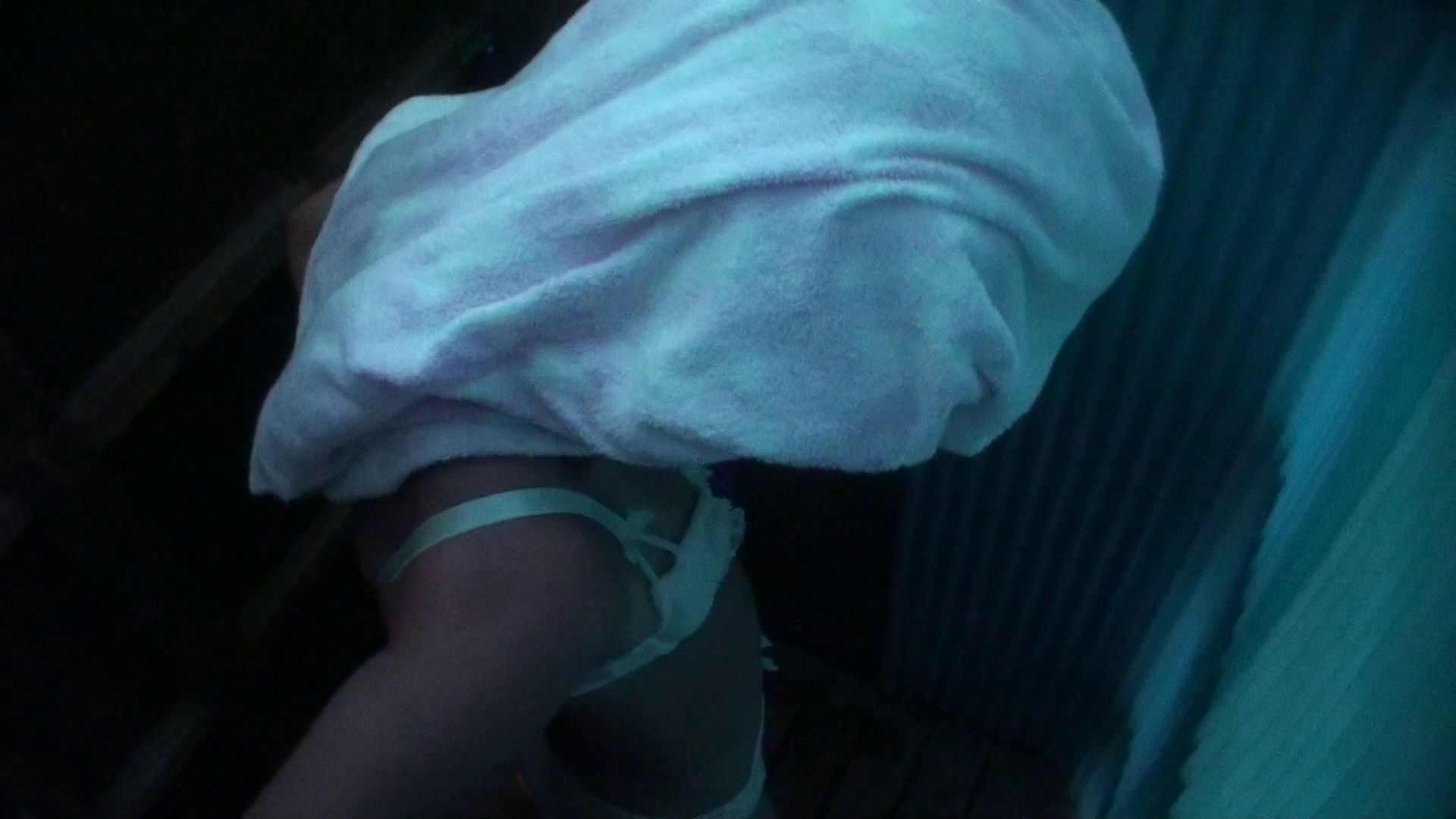 シャワールームは超!!危険な香りVol.26 大学生風美形ギャル 暗さが残念! シャワー すけべAV動画紹介 103PIX 23