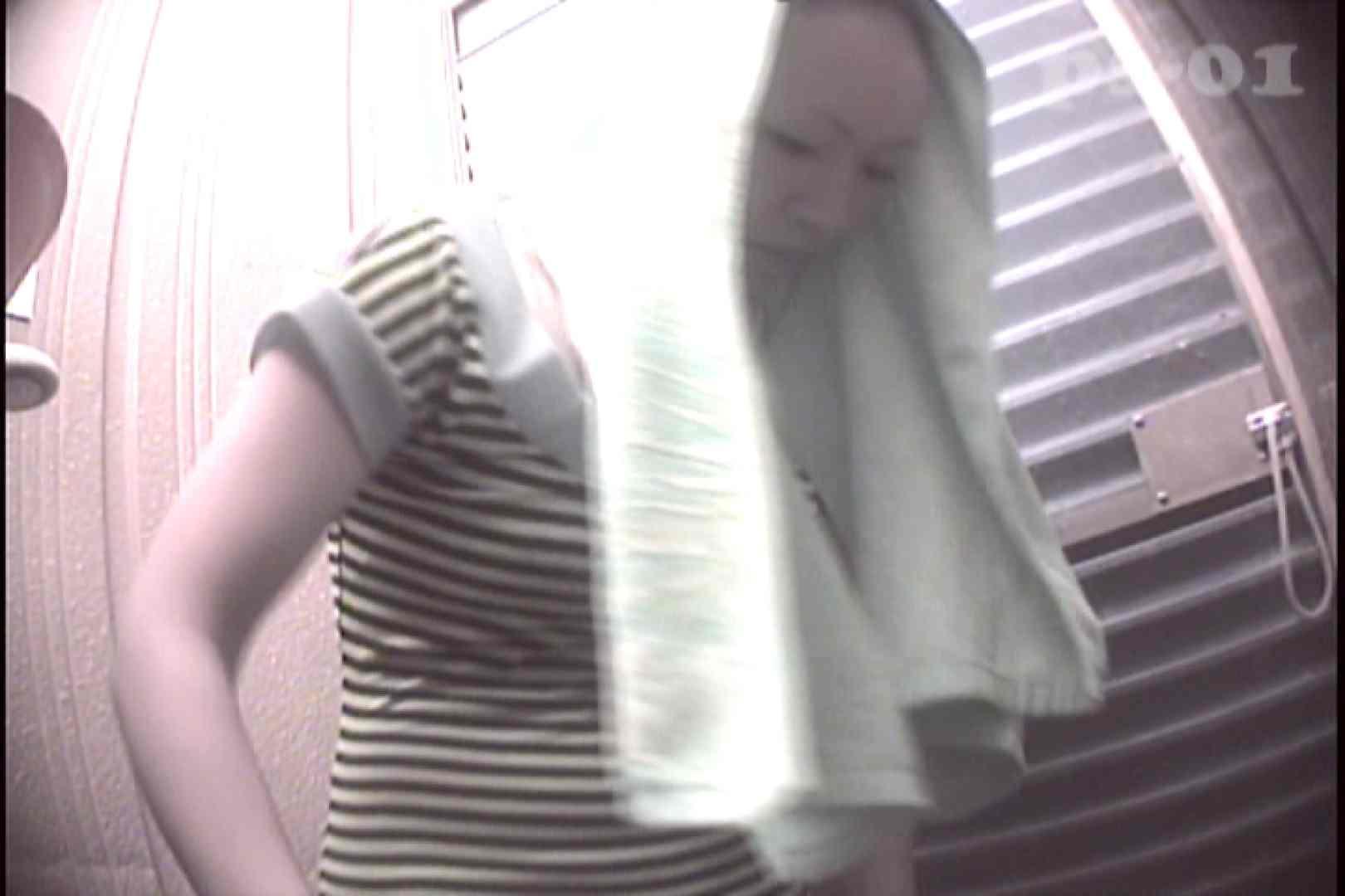 File.01 へそピアスのお姉さん、ちょっと強引な無駄毛処理 盗撮 SEX無修正画像 62PIX 17