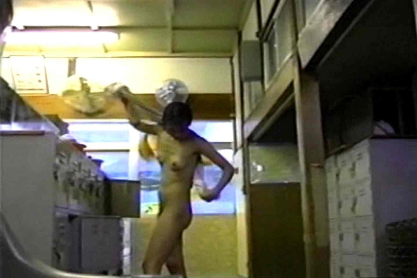 銭湯番台 投稿博多 TK-26 潜入 隠し撮りオマンコ動画紹介 92PIX 2