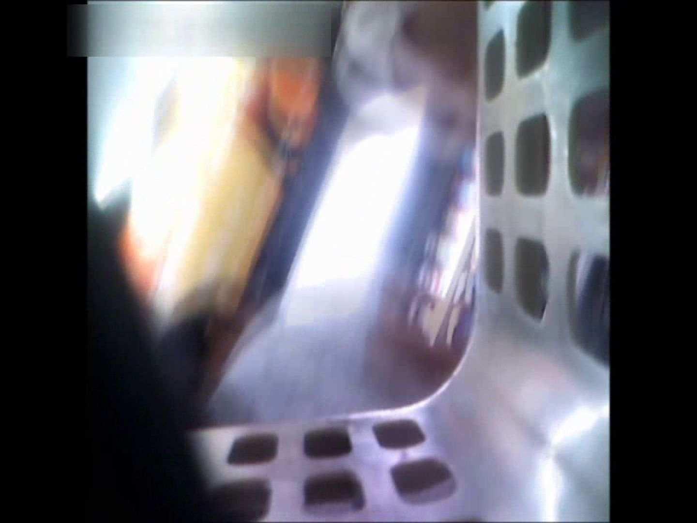 ぴざさん初投稿!「ぴざ」流逆さ撮り列伝VOL.22(一般お姉さん、奥様編) チラ ワレメ動画紹介 97PIX 18