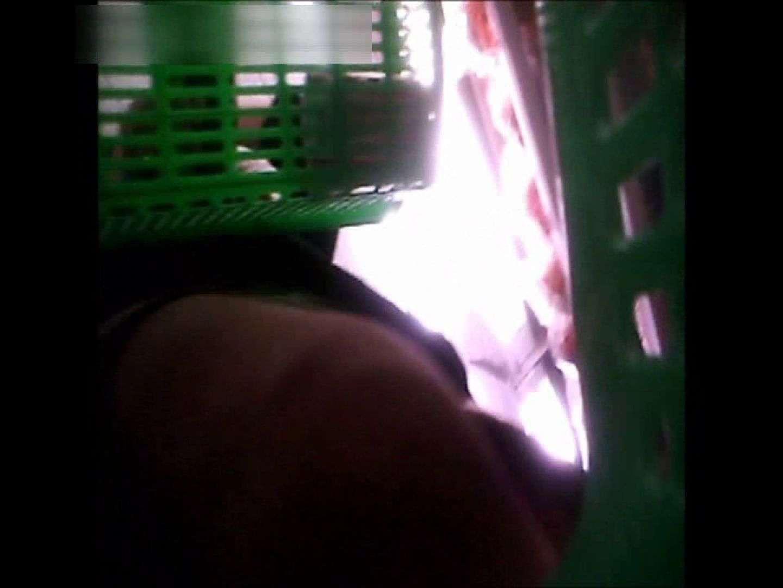 ぴざさん初投稿!「ぴざ」流逆さ撮り列伝VOL.22(一般お姉さん、奥様編) チラ ワレメ動画紹介 97PIX 73